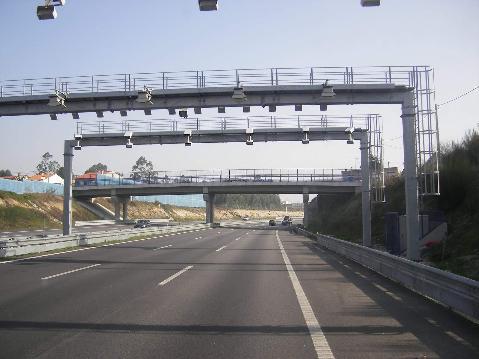 Toll roads in Portugal – learn how to pay the electronic tolls (ex SCUTS)