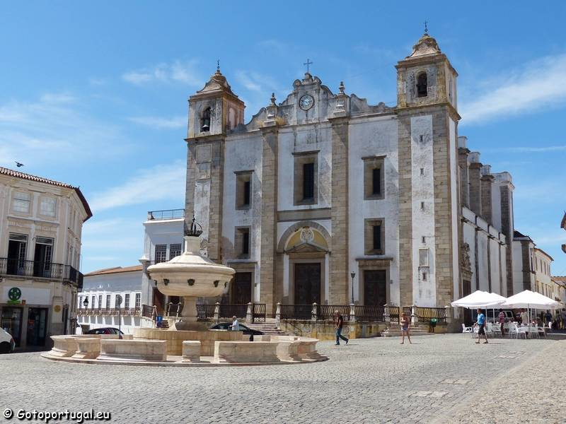 What to do in Evora in one day, the beautiful capital of Alentejo