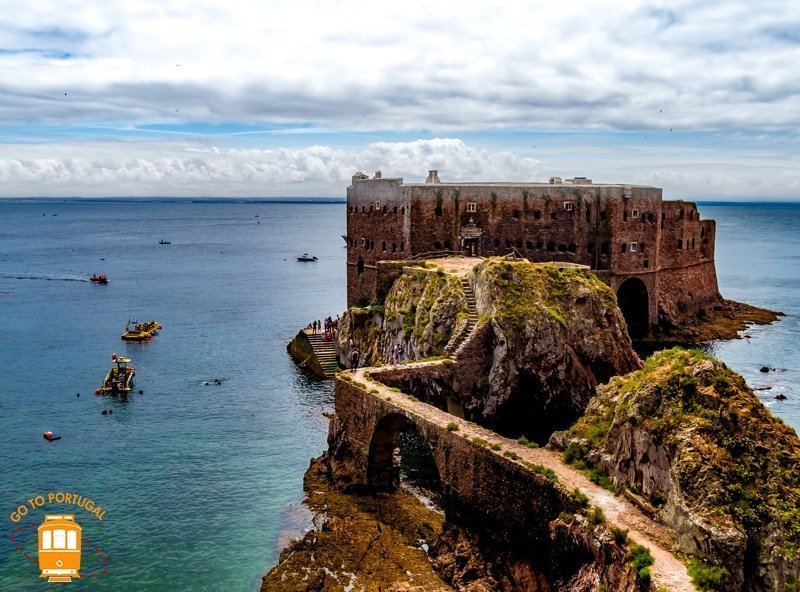 Things to do in Peniche – from Berlengas to the most beautiful beaches!